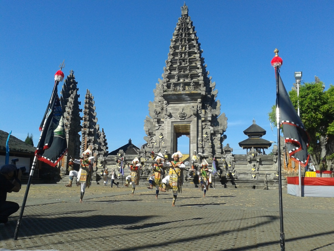 Batur, Balinese traditional dance